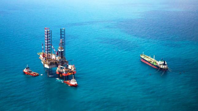 تراجع اسعار النفط عقب تلميحات سلبية حول مصير المفاوضات التجارية بين الصين وأمريكا